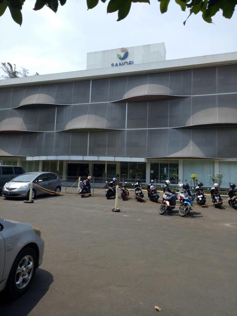 DI PHK, 140 KARYAWAN PT SANOPI  AVENTIS INDONESIA  PERSOALKAN PESANGON