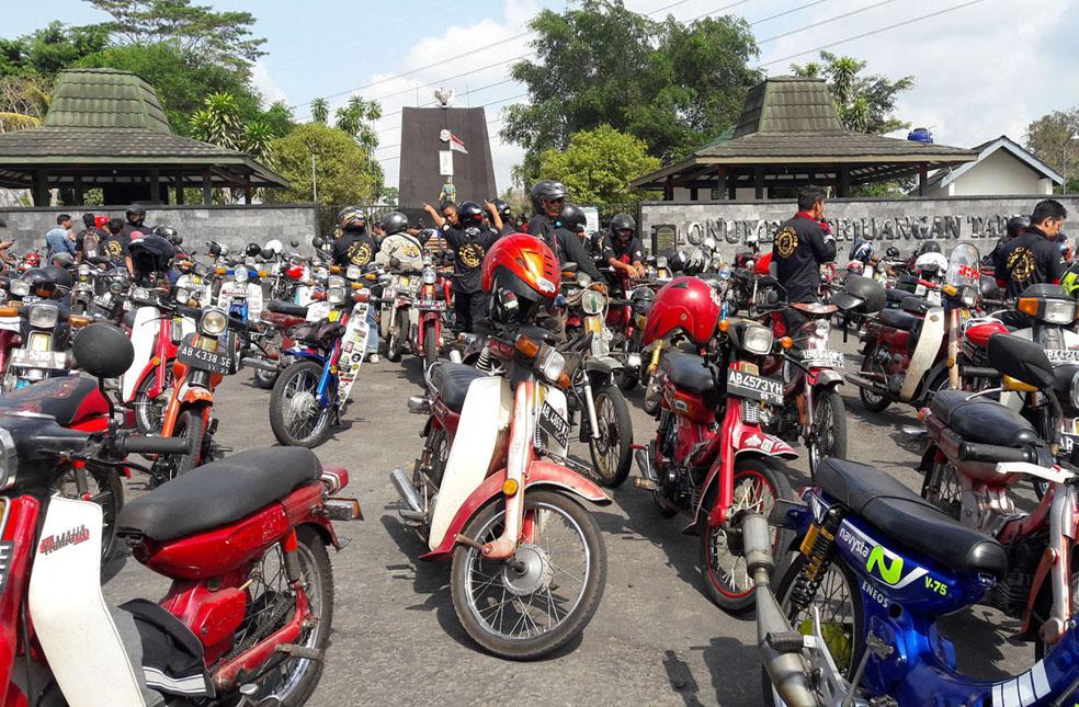 Catatan Press Tour di Kab Sleman (Kedua) Menikmati Perjalanan Wisata Dengan Motor Antik