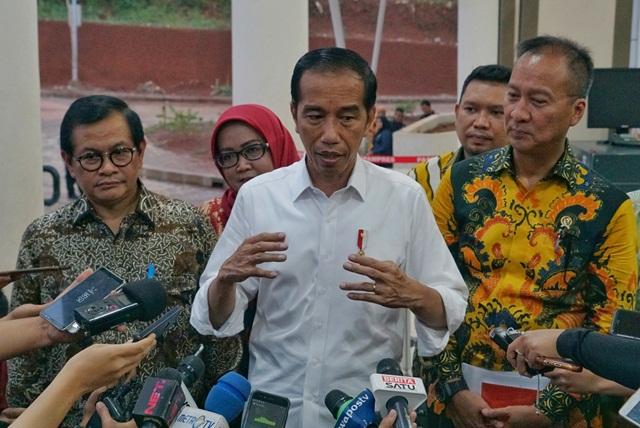 Jokowi : THR Diberikan Menjelang Hari Raya, Tidak Ada Muatan Politis