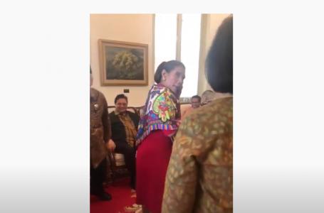 Ibu ibu menteri sedang berpose menikmati akhir jabatan nya