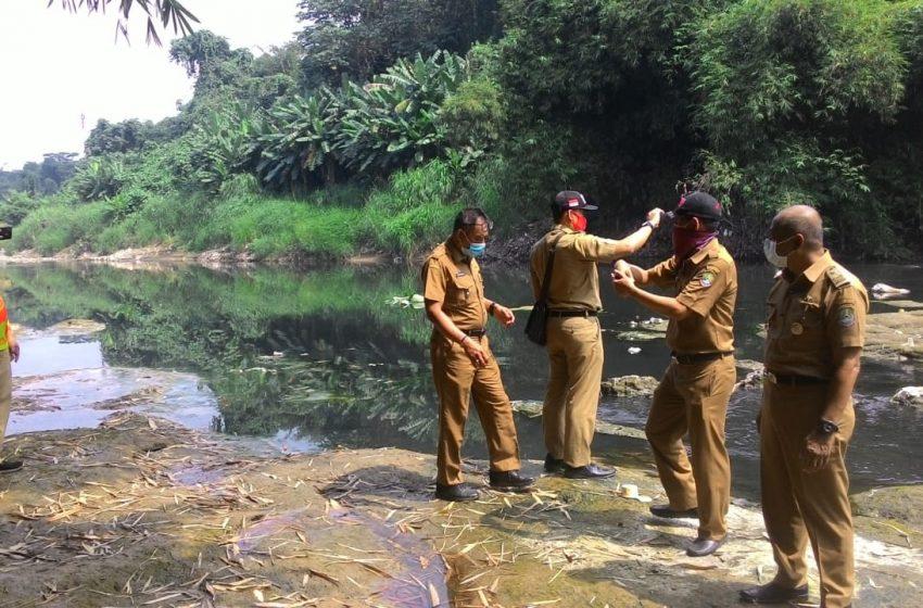Dinas Lingkungan Hidup Lakukan UJi Lab Air Kali Bekasi