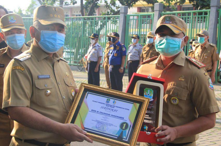 Wali Kota Berikan Penghargaan PPID Bagi OPD Pemerintah Kota Bekasi