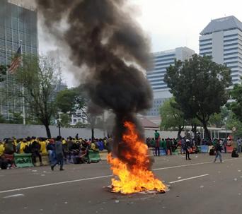 Polisi Identifikasi Dalang Aksi Demo Tolak Omnibus Law Yang Berujung Ricuh
