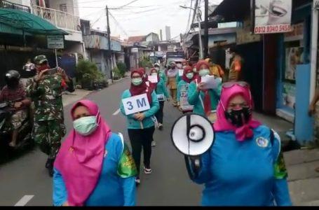 Satgas Padat Karya Bersama Babinsa Patroli Lingkungan, Sosialisasikan Pola Hidup Sehat Sesuai Protokol Kesehatan
