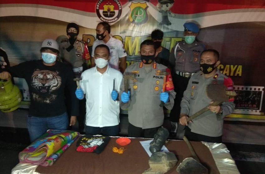 Polisi Ringkus Pembunuh Sadis di Kamar Kontrakan di Depok