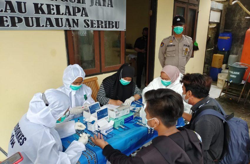 Tim KTJ Pulau Kelapa Kep Seribu Utara Rapid Tes Gratis Wisatawan di Pulau Kelapa