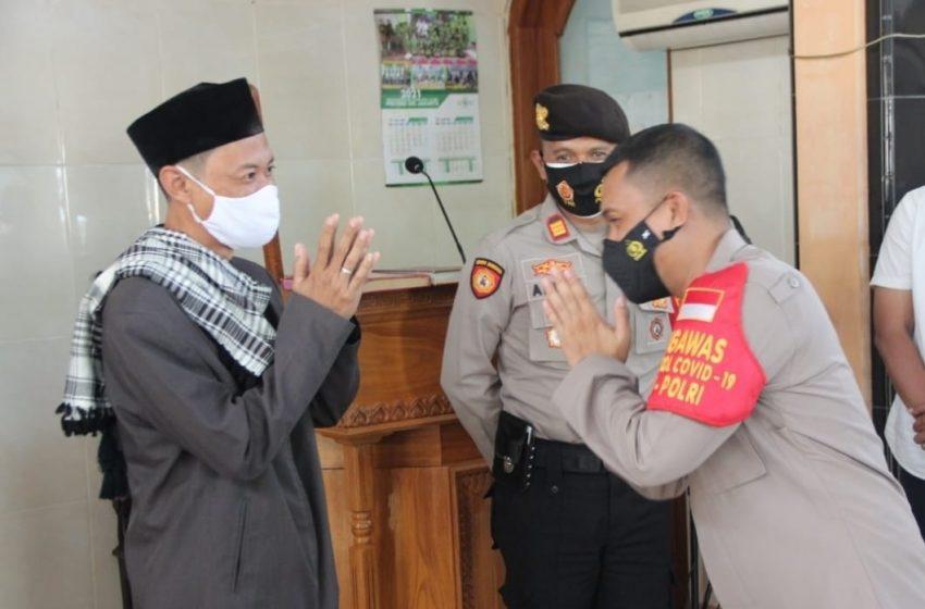 Sampaikan Pesan Kamtibmas, Kapolres Kep Seribu Sambangi Tokoh Agama dan Tokoh Masyarakat Pulau Untung Jawa
