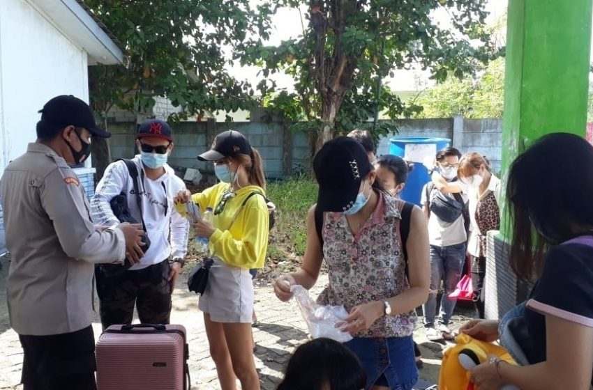 Rapid Tes Gratis Pendatang, Lima Pospam Ketupat Jaya Polres Seribu dan Tenaga Medis Cegah Covid-19