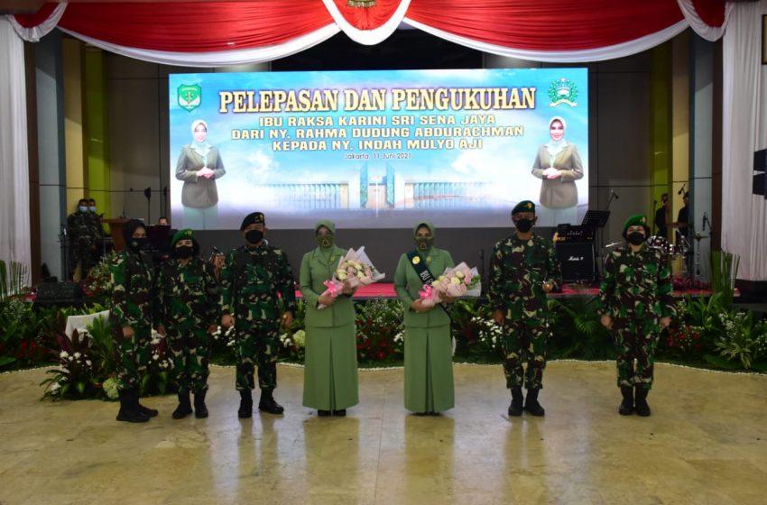 Pangdam Jaya Hadiri Pengukuhan Ibu Raksa Karini Kodam Jaya serta Lepas Sambut