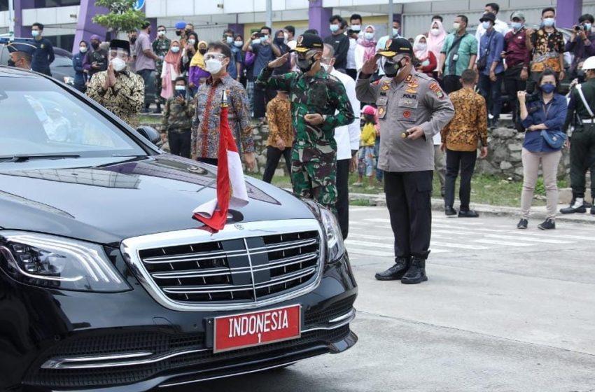 Perdana Jabat Pangdam Jaya Mayjen TNI Mulyo Aji, M.A., Pamwaskita Presiden RI Tinjau Stasiun LRT dan Vaksianasi Massal