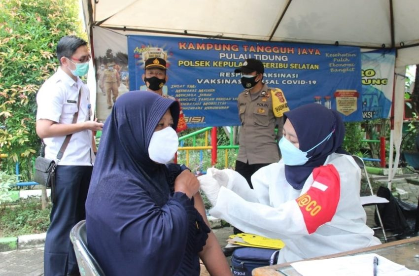Program Vaksinasi Nasional Covid-19, Polres Kep Seribu Suntik Vaksin 122 Warga Pulau Tidung