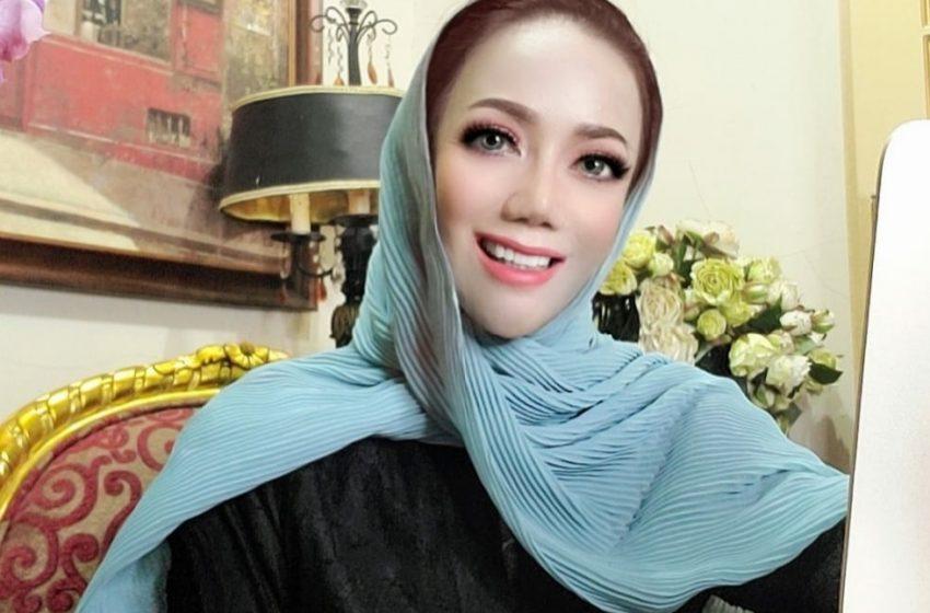 "Amy Atmanto : Kita Mendominasi Fashion Muslim, Googling Keyword ""Moslem Fashion"""