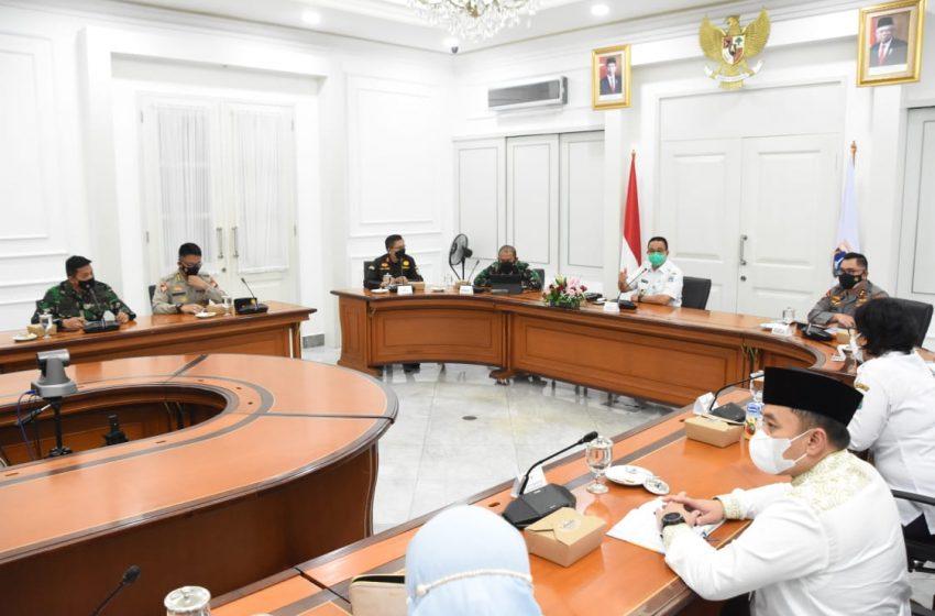 Pangdam Jaya Rapat PPKM Darurat di Balai Kota
