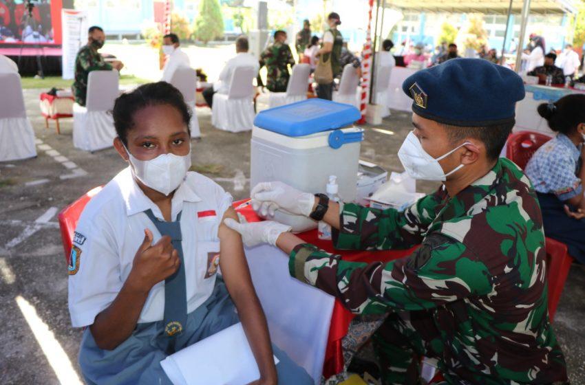 Disaksikan Presiden Jokowi Secara Virtual, Lanud Silas Papare Lakukan Vaksinasi Massal Pelajar