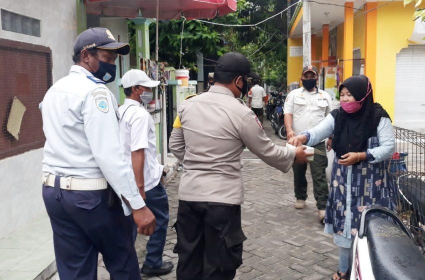 Perkuat PPKM Mikro, Polres Kep Seribu Bagikan 1.600 Masker Medis di 8 Pulau Pemukiman