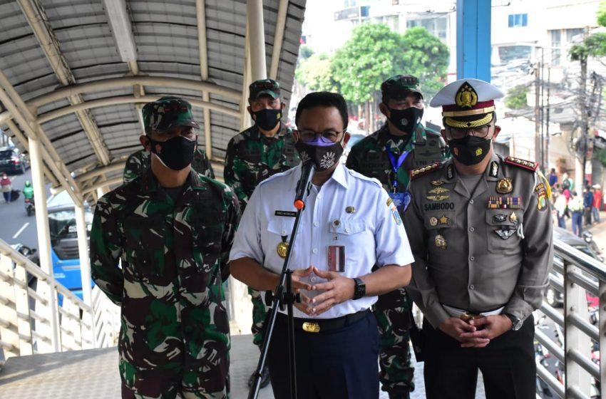 Pangdam Jaya Tinjau Penyekatan PPKM Darurat di Mampang Raya