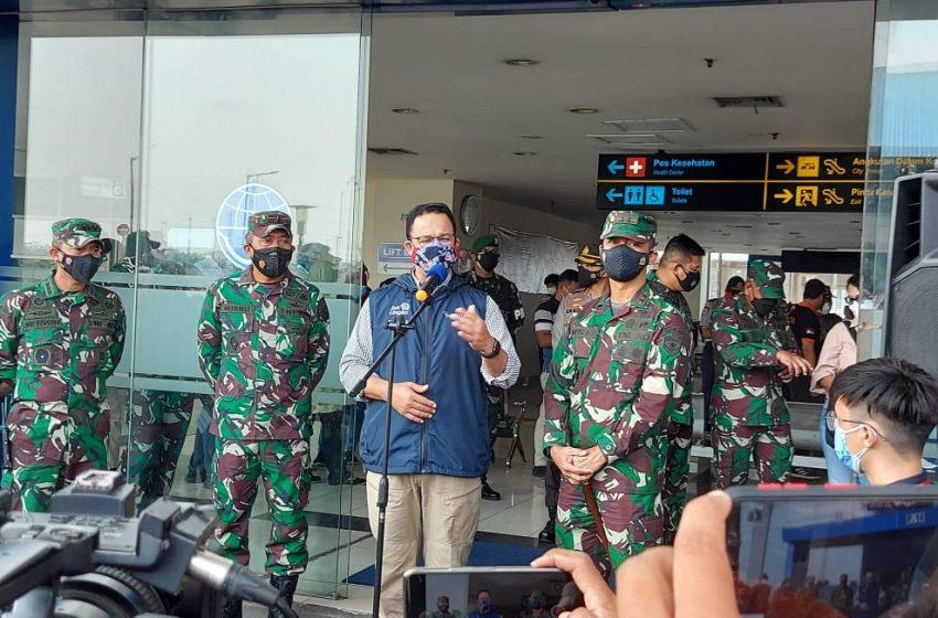 Pangdam Jaya dan Gubernur DKI Jakarta Tinjau Vaksinasi Massal di Terminal Pulo Gebang