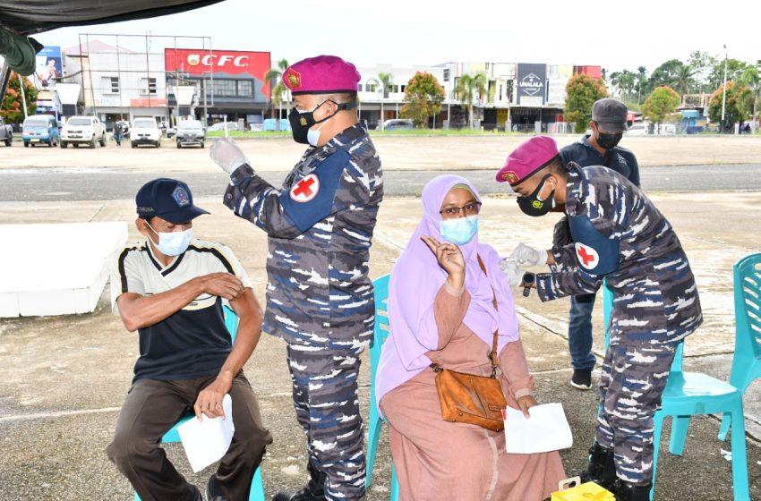 TNI AL Pasmar 3 Serbuan Vaksinasi di Kabupaten Sorong Papua Barat