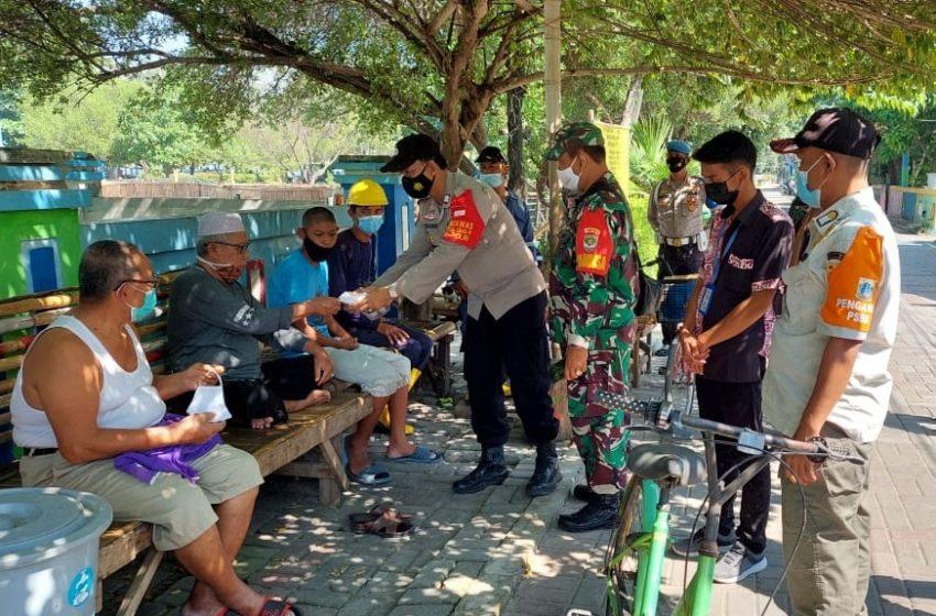 Warga di Pulau Seribu dapat 1.400 Masker dari Polres Kep Seribu