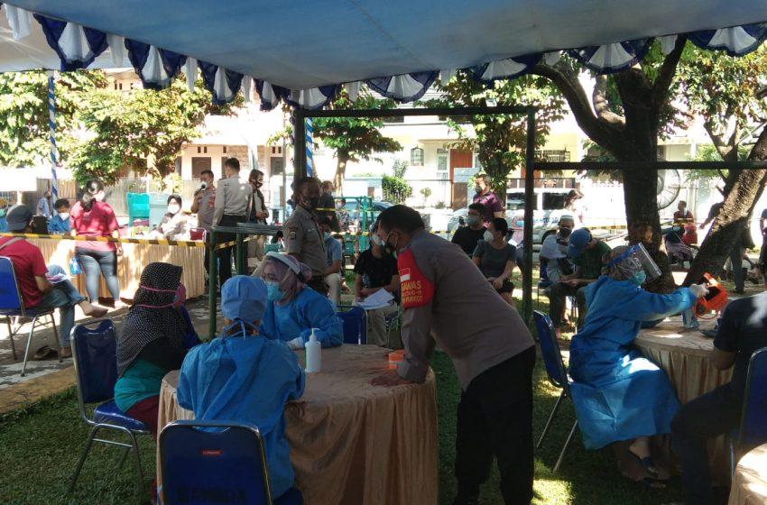 Vaksinasi Massal Dosis I dan II di Kecamatan Cinere