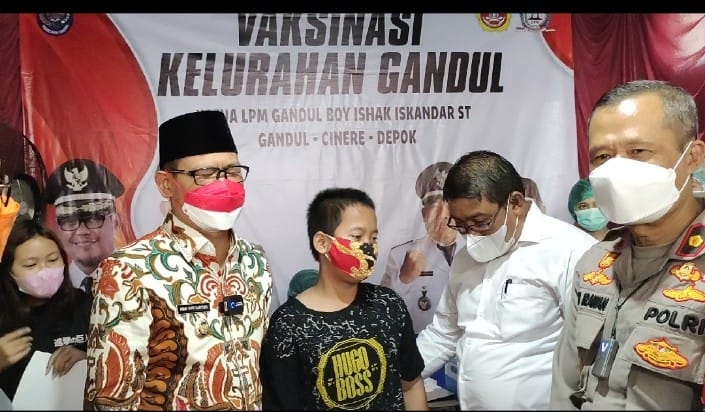 Wakil Wali Kota Tinjau Vaksinasi Berbasis Kelurahan di Gandul, Cinere Depok