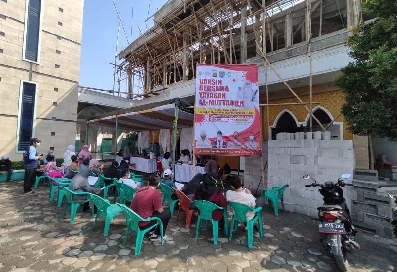Yayasan Al Muttaqien Limo dan Polsek Cinere Selenggarakan Vaksinasi Selama 3 Hari