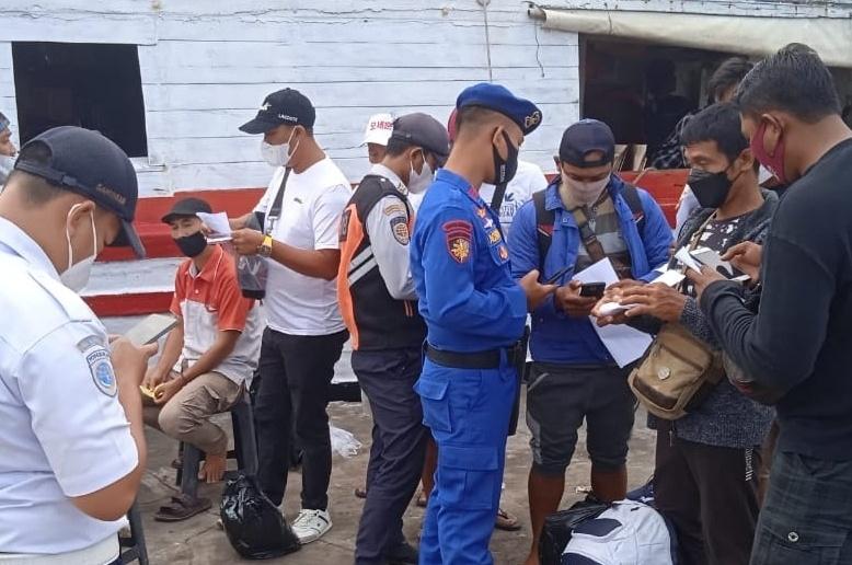 111 Warga Akan Ke Pulau dicek Sertifikat Vaksin dan dihimbau Terapkan ProKes