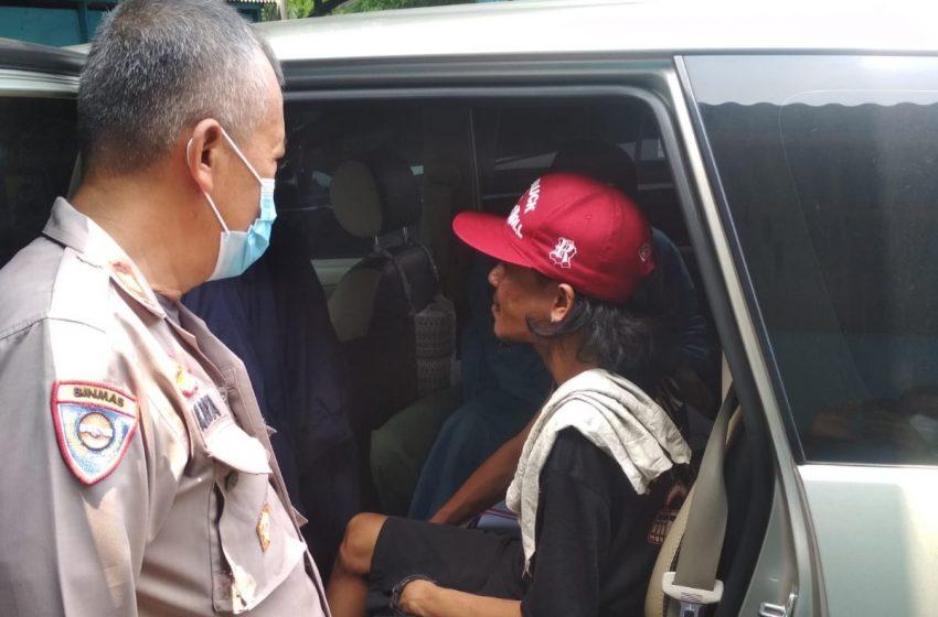 Jemput Bola di Gerai 413 Kelurahan Cinere, Warga di Vaksin di Dalam Mobil