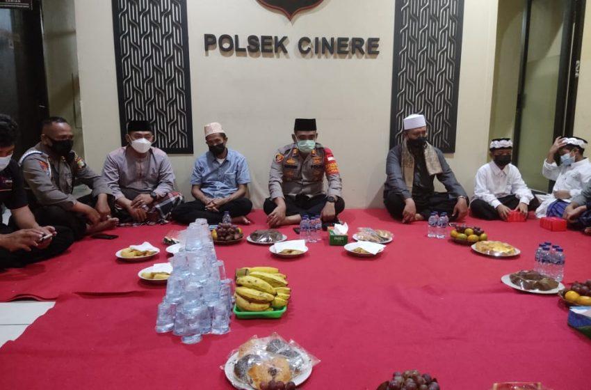 Pengajian dan Satunan Anak Yatim Diselenggarakan Polsek Cinere