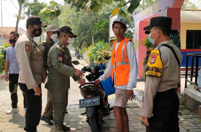 Langgar ProKes, 6 Warga di Sanksi oleh Tim Ops Yustisi Gabungan Polsek Kep Seribu Selatan