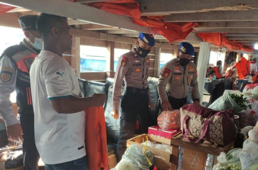 Tempatkan Personel di Dermaga Keberangkatan, Satpolair Polres Kep Seribu Berikan Himbau ProKes dan Keselamatan Berlayar